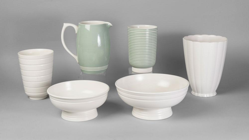Keith Murray For Wedgwood A White Vase With Ridged Banded