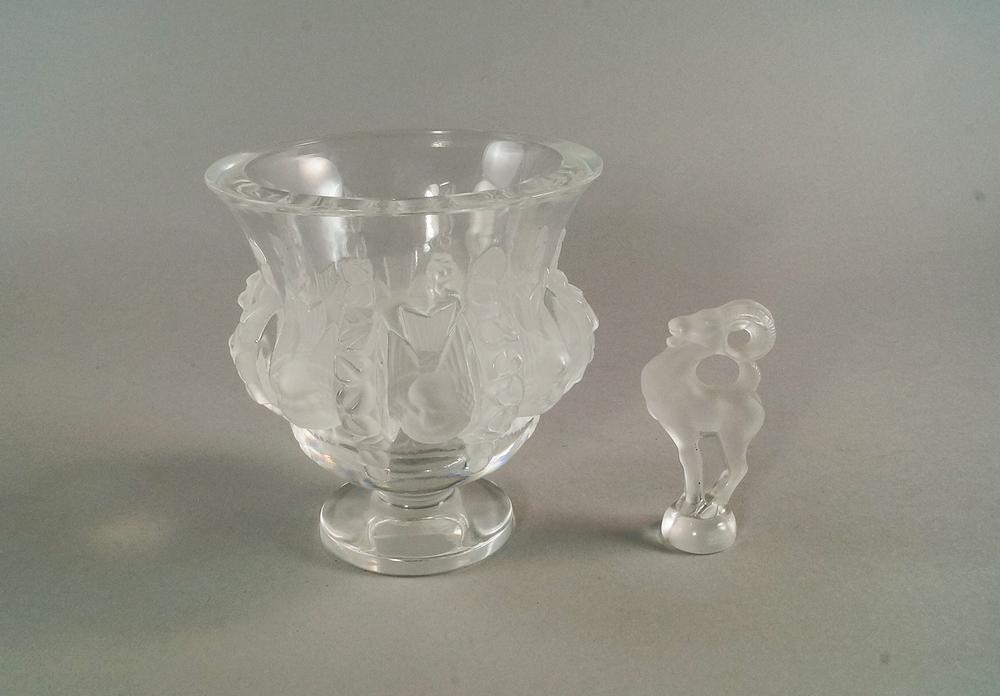 A Lalique Vase 20th Century Moulded With Rows Of Birds And Pendant