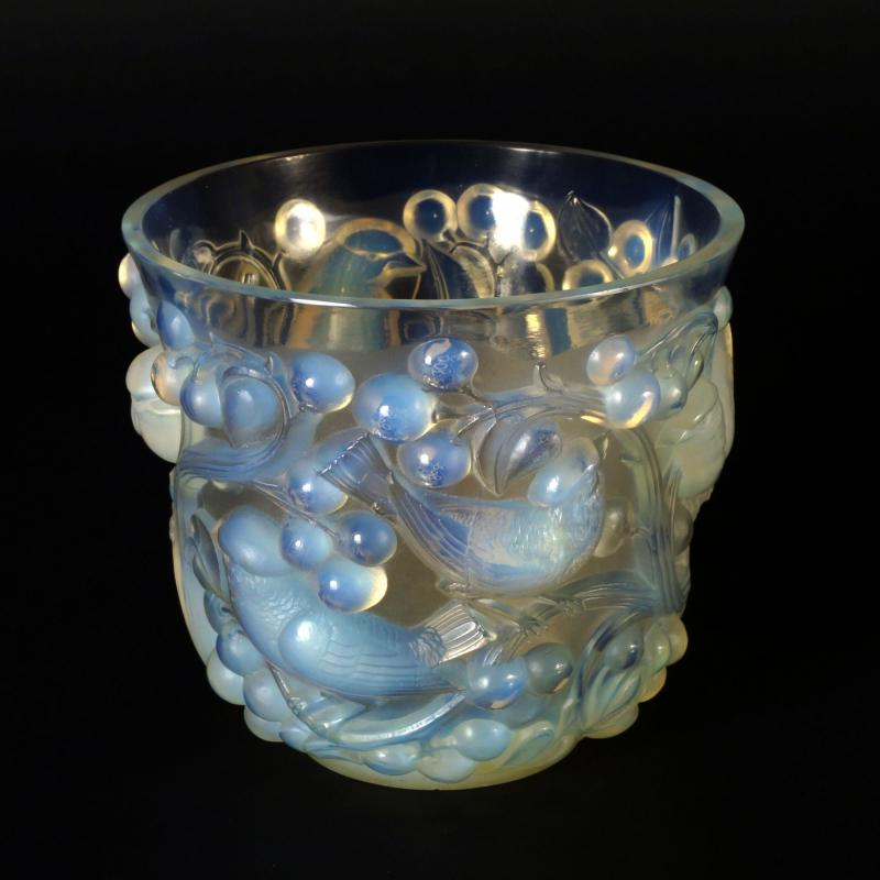 Rne Lalique An Avalon Opalescent And Clear Glass Vase C1930